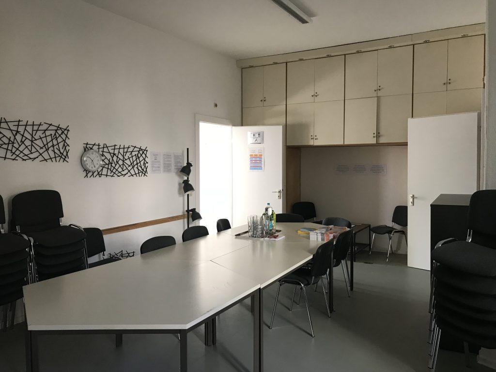 Foto von dem Schulungsraum im Neuköllner EngagementZentrum.